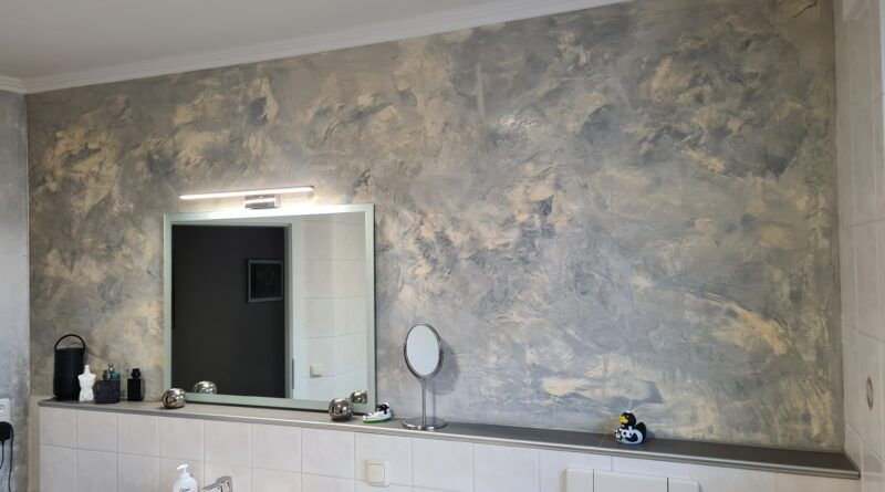 Spachteltechnik Wandgestaltung im Bad